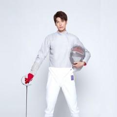 孙伟 中国击剑队男子佩剑运动员 2008年入选国家击剑队全国青年击剑锦标赛男子佩剑个人、团体冠军 孙伟