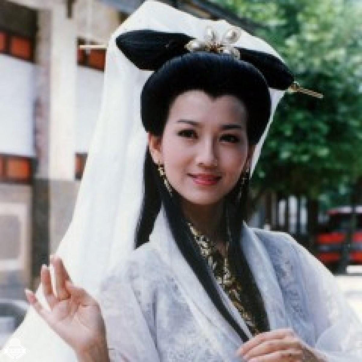 赵雅芝 AngieChiu 华语影视女演员  代表作品《新白娘子传奇》白娘子《上海滩》《楚留香》《京华烟云》 赵雅芝
